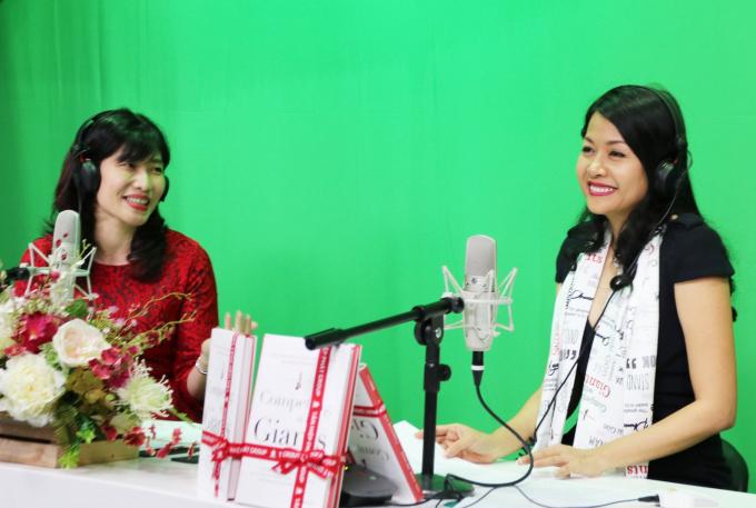 Nữ doanh nhân Trần Uyên Phương tại buổi giao lưu với khán thính giả đài VOV.