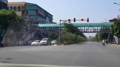 Hàng loạt sai phạm từ khâu thiết kế, lập dự toán đến thi công, nghiệm thu, thanh quyết toán tại Dự án Cải tạo, nâng cấp quốc lộ 1A đoạn cầu Chui - cầu Đuống. Ảnh Phi Hùng