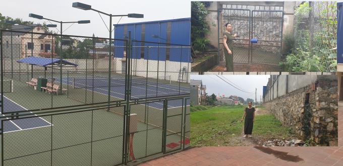 Người dân mất đường đi vì dự án mở rộng khu hành chính UBND TX Phổ Yên mà bên trong là sân Tennis và sân cầu lông phục vụ cho cán bộ. Trong khi ở dưới thì dân không có đường đi, phải lội ruộng. Ảnh Chí Kiên.