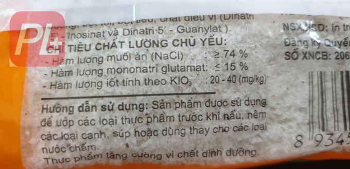 Trên bao bì sản phẩm Bột canh i-ốt Hải Châu có ghi hàm lượng i-ốt. Ảnh Thanh Bình
