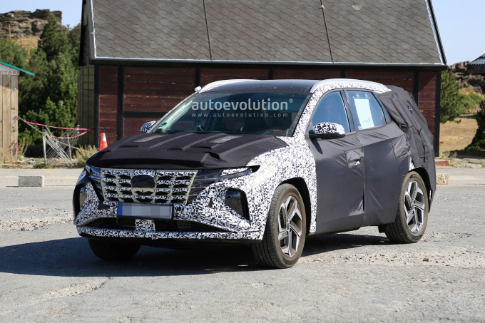 2021-hyundai-tucson-makes-spyshots-debut-looks-epic-137285_1