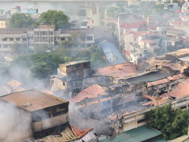 Cháy nhà máy Rạng Đông.