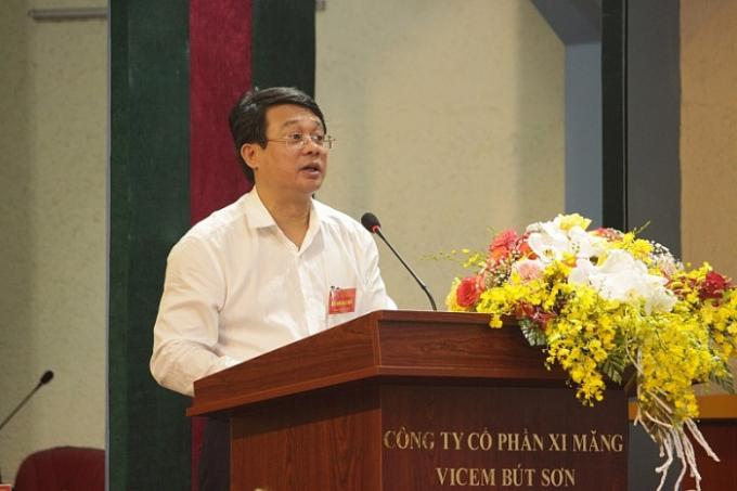 Ông Bùi Hồng Minh - Bí thư Đảng ủy, Chủ tịch HĐTV VICEM phát biểu trong buổi làm việc với Vicem Bút Sơn.