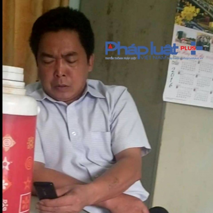 Ông Nguyễn Khắc Chung - Chủ tịch UBND xã Phương Trung tại buổi làm việc với phóng viên.