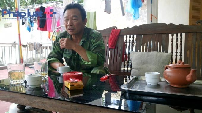 Ông Nguyễn Duy Thông là bác rể của cháu Nguyễn Hoàng Nam, cũng xót xa kể lại sự việc cho PV.