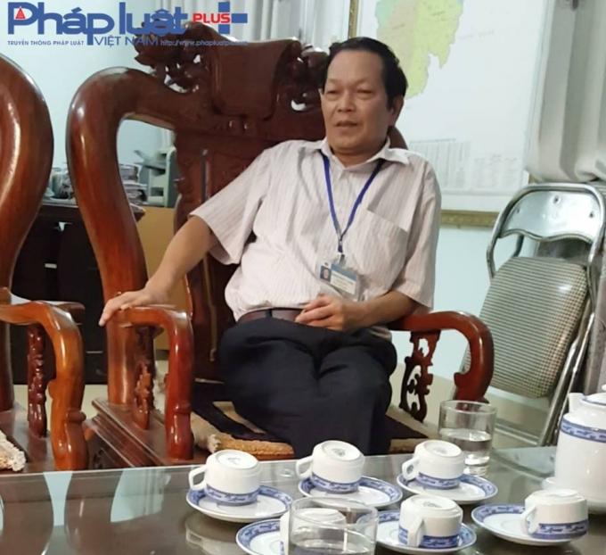 Ông Đinh Phúc Cảnh - Giám đốc Trung tâm Y tế dự phòng tỉnh Hà Giang đang trao đổi với phóng viên Phapluatplus.vn