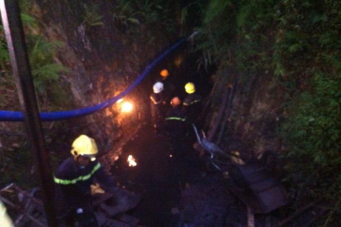 Khoảng gần 5h sáng nay, lực lượng chức năng đã đưa được thi thể nạn nhân cuối cùng ra khỏi hầm lò.