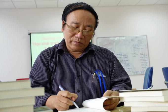 Nhà thơ Trần Đăng Khoa, cựu Phó Bí thư Đảng ủy Đài Tiếng nói Việt Nam.