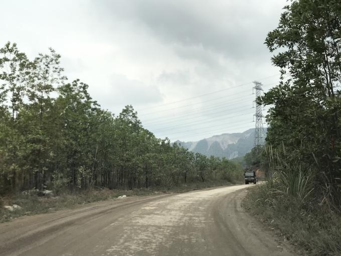 Sau chỉ đạo của UBND Tỉnh Quảng Ninh, các hoạt động khai thác tận thu khoáng sản ở Sơn Dương Hoành Bồ đã dừng lại. Đường vào Sơn Dương giờ đã trở nên thông thoáng hơn.