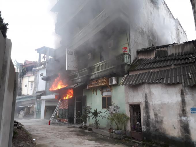 Một vụ hỏa hoạn xảy ra tại Khách sạn Thể thao Yên Bái.