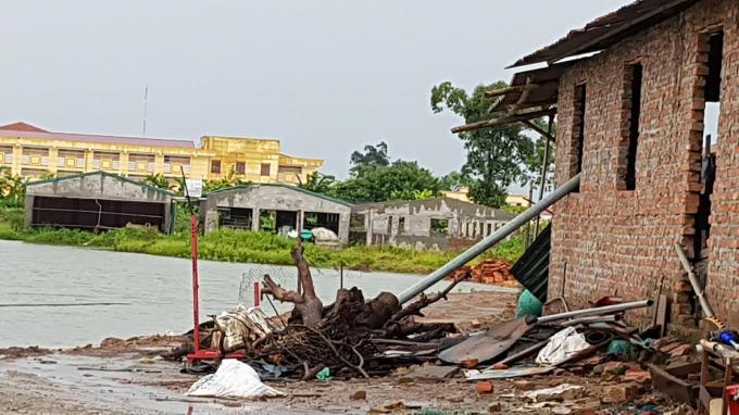 Nhiều công trình trái phép đang ung dung tồn tại trên khu đất công ích dù hết thời hạn cho thuê.