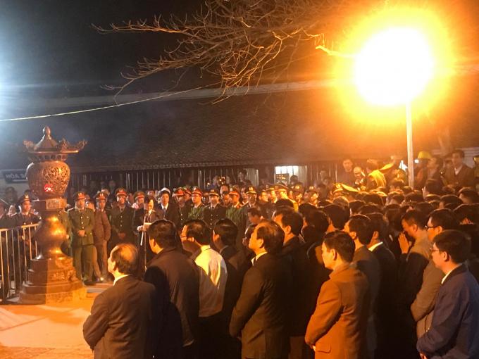 Lễ hội đền Trần Nam Định: Siết chặt hiện tượng kinh doanh chèo kéo khách đổi tiền lẻ