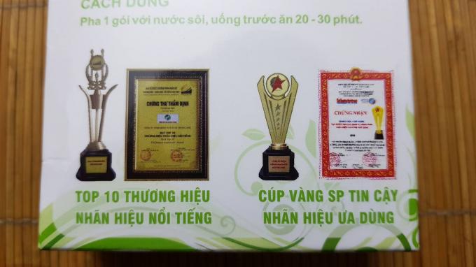 """Trên vỏ hộp sản phẩm Giảm cân Hoàng Anh có in hai danh hiệu""""Top 10 thương hiệu nhãn hiệu nổi tiếng"""" và """"Cúp vàng SP tin cậy nhãn hiệu ưa dùng"""""""