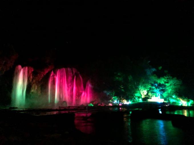 Ông Nguyễn Thành Hải, Chủ tịch UBND huyện Trùng Khánh (Cao Bằng) cho biết: Điểm nổi bật nhất trong lễ hội năm nay là sân khấu lễ hội sẽ được sự kết hợp giữa thiên nhiên và ánh sáng. Không gian lễ hội sẽ được mở rộng về phía gần chân thác hơn, và sử dụng thác nước làm phông nền của sân khấu.