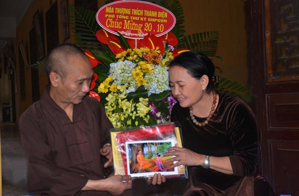 Hòa thượng Thích Thanh Điện - Phó tổng thư ký Hội đồng trị sự - Chánh văn phòng Trung ương Giáo Hội Phật Giáo Việt Nam - Phó trưởng ban thường trực ban Hướng dẫn Phật tử trung ương.