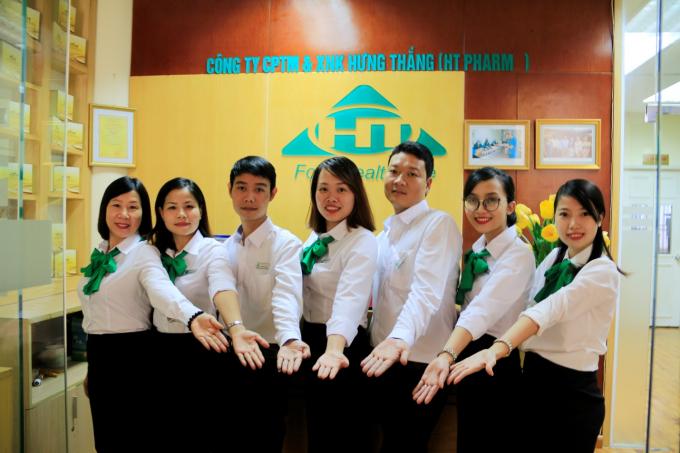 Tập thể nhân viên của HT Pharma cam kết mang đến cho Quý khách hàng chất lượng phục vụ tốt nhất.