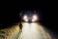Biểu dương tài xế giúp đỡ cháu bé 2 tuổi lang thang trên tỉnh lộ trong đêm