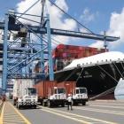 TP HCM đề xuất lùi thời gian thu phí hạ tầng cảng biển