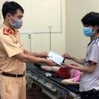 Đội CSGT số giúp đỡ thai phụ trở dạ khi di chuyển từ vùng dịch về quê qua địa bàn TP