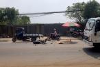 TP HCM: Xe máy va chạm với xe tải, 1 người tử vong