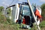 Lâm Đồng: Lật xe giường nằm chở 40 hành khách
