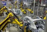 Ô tô Đức về Việt Nam giảm giá 30%: Dằn tiền chờ xe sang