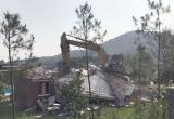Sóc Sơn cưỡng chế phá dỡ 20 công trình vi phạm đất rừng