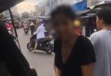 [Clip]: Nữ tài xế 'ngang ngược' vô tư đỗ xe giữa ngã ba đường