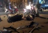 Gia Lâm: Ô tô phóng ẩu ngược chiều, 3 người nhập viện trong tình trạng nguy kịch