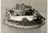 Ba tù nhân vượt ngục giữa đảo hoang bằng… thìa