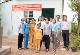 Huỳnh Vy tặng nhà tình thương, quyên góp tiền xây cầu kiên cố cho bà con tỉnh Đồng Tháp