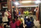 Sơn Tây - Hà Nội: Đền Và tấp nập người đi lễ cầu may