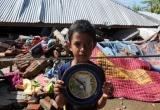 Tổng thống Indonesia thăm hỏi người dân sau động đất khiến 102 người thiệt mạng