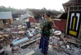 Khung cảnh đổ nát, tan hoang sau trận động đất kinh hoàng tại Indonesia