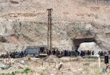 Phiến quân IS ở Syria lũ lượt chui từ dưới hầm lên đầu hàng