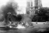 """Nhà thờ Đức Bà: Dấu ấn di sản gần 9 thế kỷ giữa """"trái tim"""" Paris"""