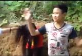 Lào Cai: Clip 1 nữ sinh bị đánh hội đồng như phim chưởng