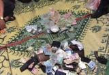 Quảng Bình: Đột kích sới bạc, bắt 5 đối tượng đang say sưa sát phạt