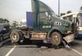 TP HCM: Va chạm liên tiếp trên xa lộ Hà Nội, giao thông ùn ứ nghiêm trọng