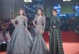 Dàn người đẹp HHVN 2016 gây 'náo loạn' thảm đỏ thời trang