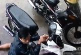 Những cách tội phạm bẻ khóa chống trộm xe máy
