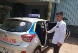Taxi bung cửa chạy ở Thanh Hóa: Tài xế chở nạn nhân đi cấp cứu