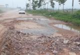 Vì sao đường gom Cao tốc Hà Nội - Bắc Giang xuống cấp nghiêm trọng