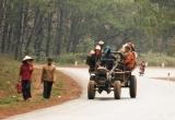 Yên Bái: Xe máy va chạm xe công nông, 2 cháu nhỏ tử vong trên đường đến trường