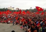 Chủ tịch UBND tỉnh Nghệ An tặng bằng khen cho 4 cầu thủ quê xứ Nghệ