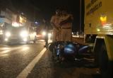 Phóng nhanh lao vào đuôi xe tải, một người nhập viện