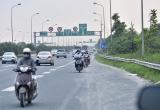 Đẩy mạnh công tác xử lý mô tô, xe máy lưu thông vào làn đường dành cho ô tô trên đại lộ Thăng Long