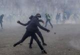 Biểu tình 'Áo vàng' trở lại, bạo động xảy ra khắp Paris