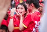 Fan nữ bật khóc khi Olympic Việt Nam lỡ hẹn tấm huy chương đồng Asiad 2018