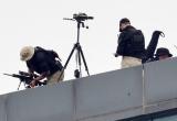 Clip lính bắn tỉa canh gác trên nóc khách sạn Marriott những ngày Tổng thống Trump lưu trú